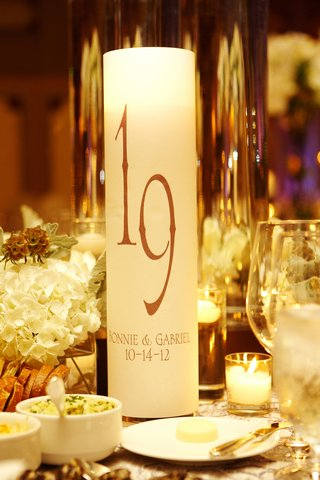 cylinder-candle-holder-with-table-number-and-wedding-couple-names