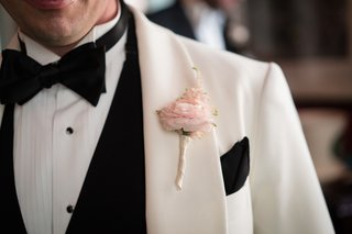 light-pink-boutonniere-single-flower-rose-white-black-tux-modern-wedding-details-groom