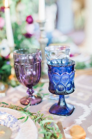 purple-and-blue-glassware-for-wedding-reception-colored-drinkware