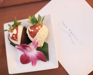 bride-and-groom-designed-strawberry-desserts