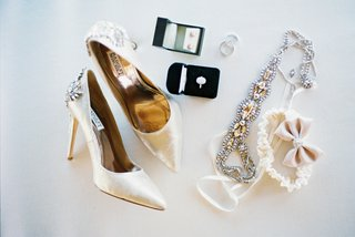 high-heels-blush-accessories-garter-with-a-bow