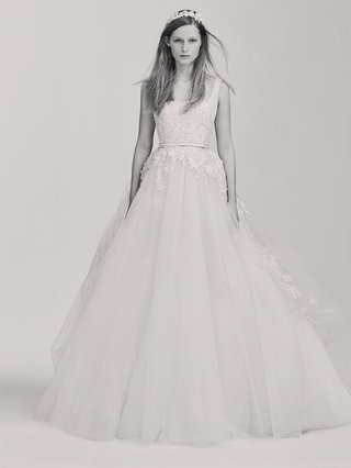 black-and-white-photo-of-elie-saab-bridal-spring-2017-ball-gown-wedding-dress-sleeveless-straps