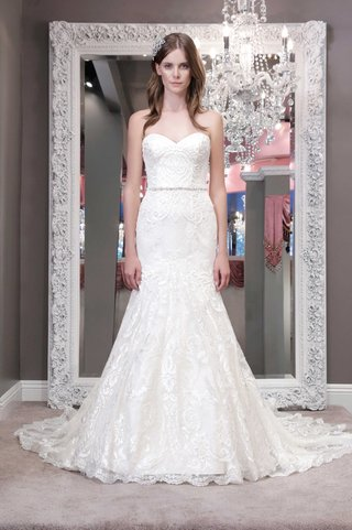 winnie-chlomin-2016-strapless-wedding-dress-with-sweetheart-neckline-embroidery-on-bodice-and-skirt