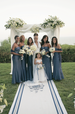 lisa-coffey-with-flower-girl-and-bridesmaid-girls