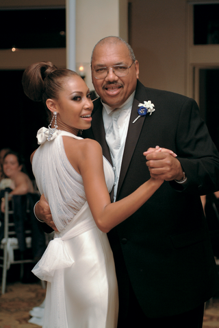 father-and-daughter-dancing-at-reception