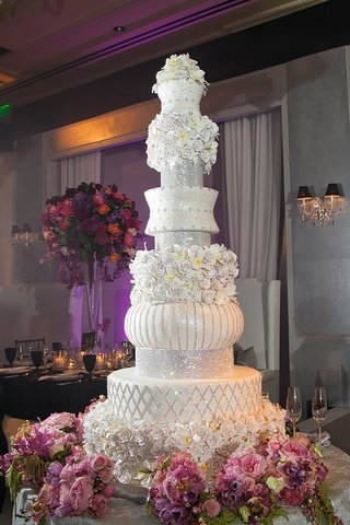 tall-wedding-cake-with-crystals-and-sugar-flowers
