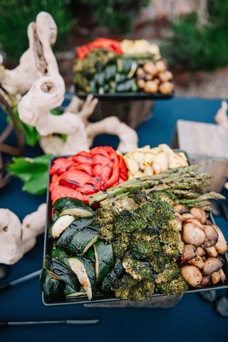 organic-wedding-buffet-with-grilled-vegetables