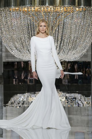 pronovias-fall-2018-plain-crepe-dress-with-long-sleeves-and-mermaid-skirt