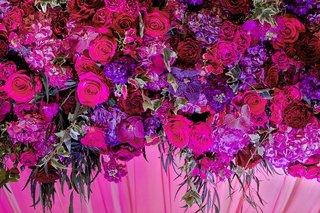 garden-roses-stocks-fuchsias-hydrangeas-in-shades-of-purple-for-indian-mandap-altar
