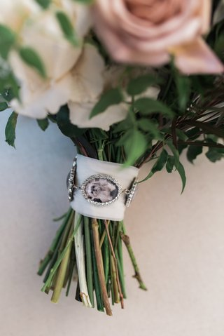 bouquet-charms-with-photos-of-loved-ones-who-had-passed-away
