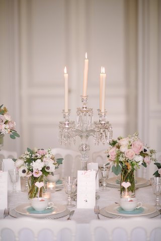 tablescape-with-crystal-candelabra-and-taper-candles