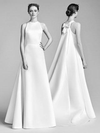 look-4-vrm043-by-viktor-rolf-watteau-train-gown-high-neck-wedding-dress