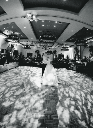 black-and-white-dance-floor-with-lighting-projections