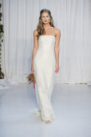 anne-barge-fall-2018-strapless-column-gown-made-with-alencon-lace