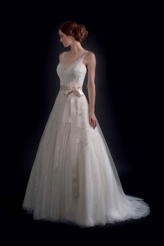 modern-trousseau-fall-2016-v-neck-wedding-dress-with-embroidery