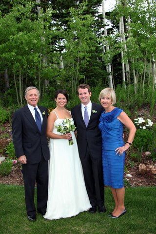 bride-and-groom-with-father-and-mother-of-groom