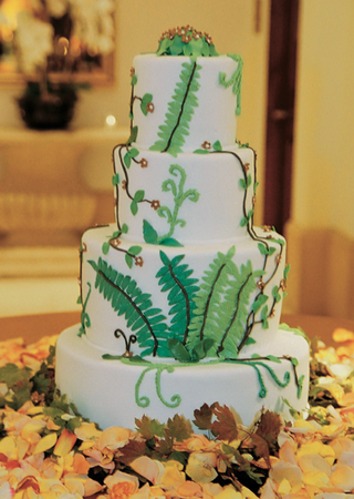 nature-inspired-wedding-confection-with-petals
