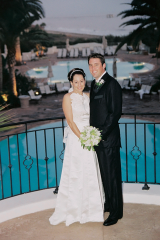 newlyweds-at-bacara-resort-spa-pools