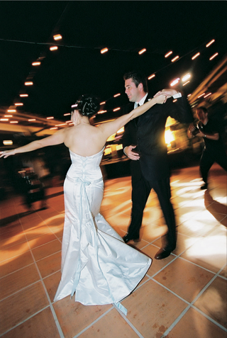 newlyweds-first-dance-on-terra-cotta-floor