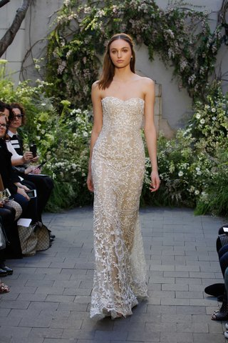 monique-lhuillier-spring-2017-anna-strapless-beaded-embroidered-wedding-dress