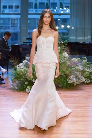 monique-lhuillier-fall-2017-bridal-collection-faithful-wedding-dress-peplum-strapless-bodice-trumpet