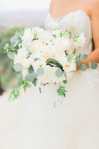 bouquet-with-silver-dollar-eucalyptus-white-flowers-dahlia-rose-light-blush-blooms-peony-greenery