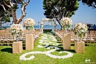 beautiful-seaside-ceremony