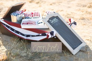 cornhole-game-supplies-with-american-flag-patterns