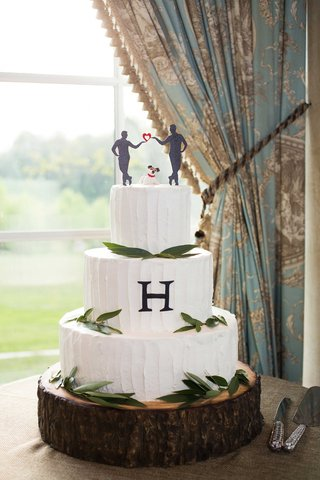 rustic-cake-with-silhouette-cake-topper-and-dog-figurine-gay-wedding