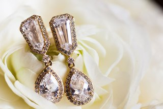 wedding-day-jewelry-drop-earrings-teardrop-shape-diamond-halo-and-stud-details