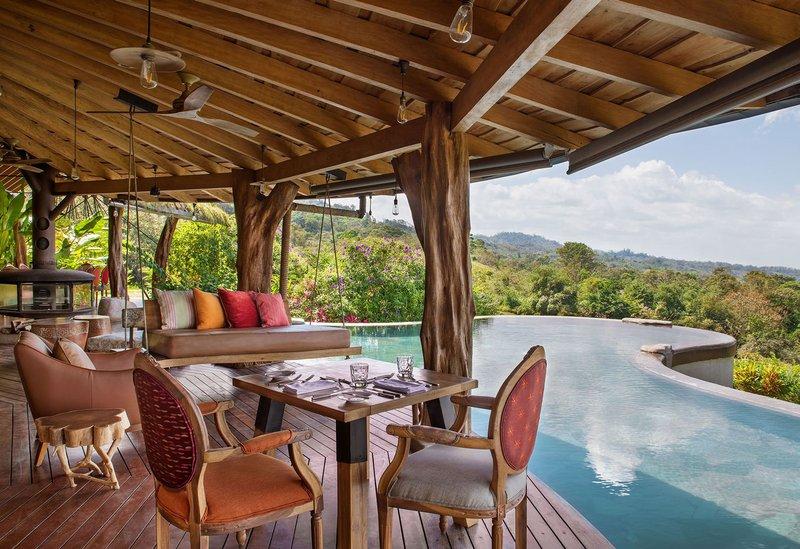 ORIGINS Luxury Lodge - Restaurant by Infinity Pool