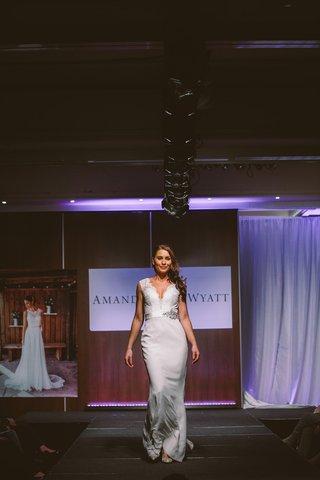 amanda-wyatt-wedding-dress