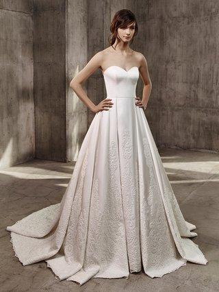 badgley-mischka-bride-2017-abby-wedding-dress-ball-gown-pleat-skirt-embroidery-silk-sweetheart-neck