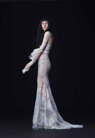 vera-wang-bride-fall-2016-sheer-lace-long-sleeve-wedding-dress