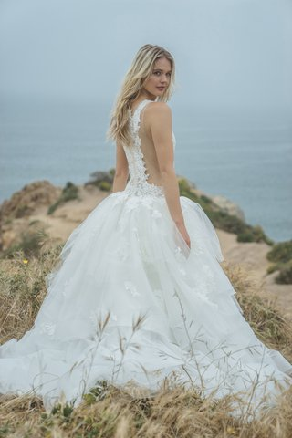 corinne-by-by-sabrina-dahan-spring-summer-2018-tulle-and-lace-ball-gown-illusion-side