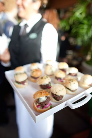 miniature-sliders-with-onion-and-bleu-cheese