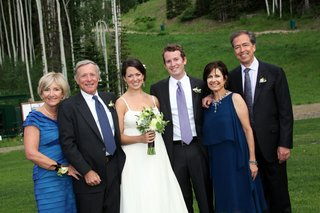 bride-and-groom-with-parents-in-deer-valley