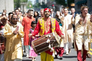 drummer-leads-indian-baraat