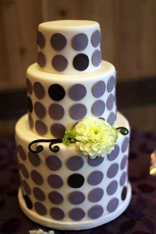 three-layer-wedding-cake-with-purple-circle-decorations