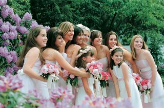 bridesmaid-and-flower-girl-coordinating-attire