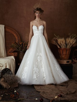 ellie-by-isabelle-armstrong-spring-2018-tulle-ball-gown-plunging-neckline-floral-leaf-embroidery