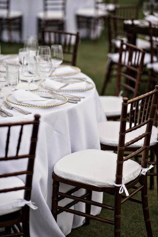 dark-brown-wooden-chiavari-chairs-for-wedding-reception