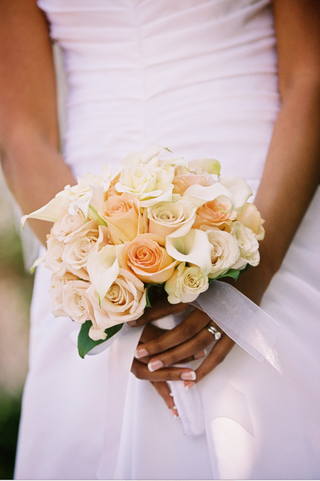 brides-flower-bouquet-wrapped-in-silk-ribbon