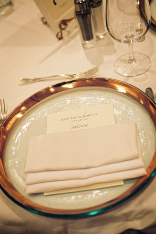 gilded-glass-place-setting-with-menu-card
