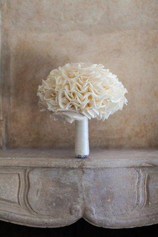 white-glamelia-wedding-bouquet-with-white-ribbon