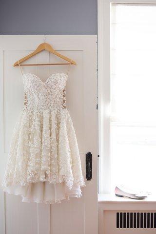 mark-zunino-short-wedding-dress-kleinfeld-bridal-flower-detailing