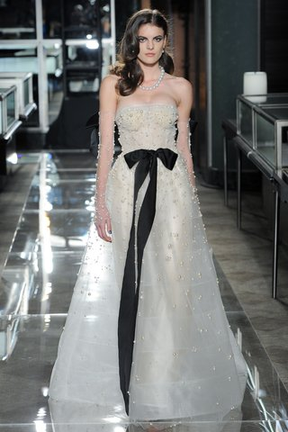 reem-acra-spring-2018-bridal-designer-pearl-embellished-strapless-ball-gown-black-ribbon-crystals