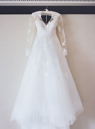 monique-lhuillier-wedding-dress-lace-with-sheer-lace-applique-long-sleeves-v-neck-a-line-bridal-gown