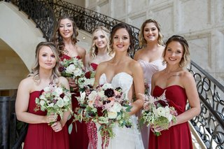 wedding-ideas-fall-colors-burgundy-light-pink-green-bouquets-red-bridesmaid-dresses