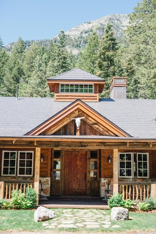 wedding-reception-in-sundance-utah-with-animal-skull-and-wood-beams-rock-siding